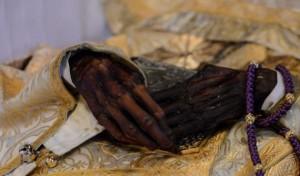ПОЧЕМУ МОЩИ НАЗЫВАЮТ «НЕТЛЕННЫМИ», ЕСЛИ МНОГИЕ ИЗ НИХ ТОЛЬКО КОСТИ?