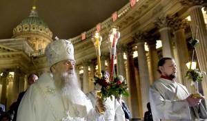 В праздник Пасхи митрополит Варсонофий возглавил богослужения в Казанском соборе