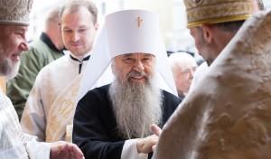 Митрополит Варсонофий совершил Божественную литургию во Владимирском соборе